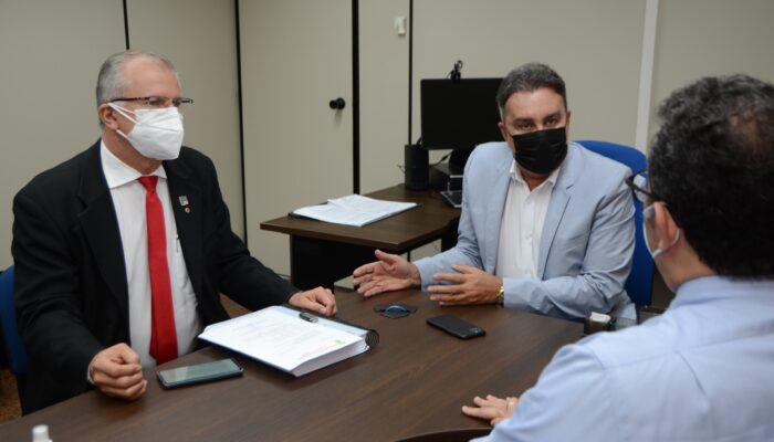 Relatório de transição e fim do lixão marcam pauta de Orlando Jorge com procurador geral de Justiça de PE