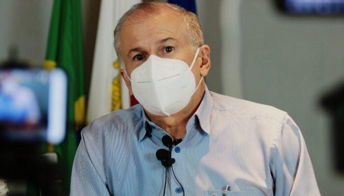 Orlando Jorge anuncia vacinação a partir de 70 anos e instalação de drive-thru em Limoeiro