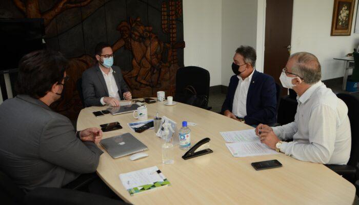 Prefeitura busca investimentos e melhorias com inserção de Limoeiro no Semiárido Nordestino em visita à SUDENE